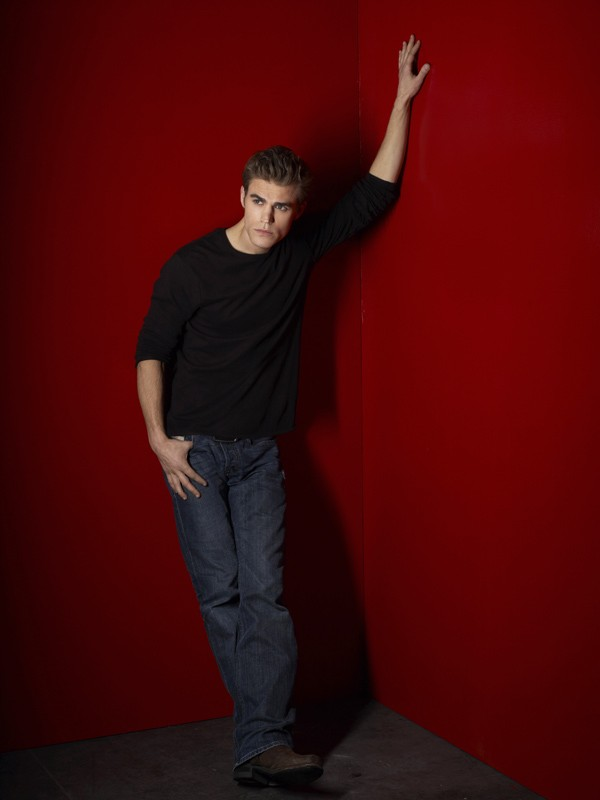 Paul Wesley in una foto promo della nuova, vampiresca serie CW: The Vampire Diaries