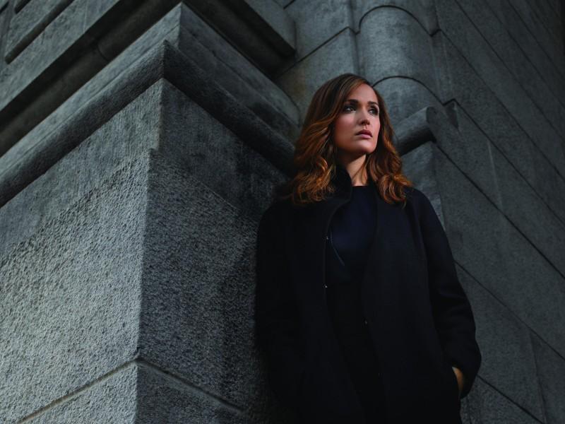 Damages: Rose Byrne è Ellen Parsons in una immagine promozionale della stagione 3