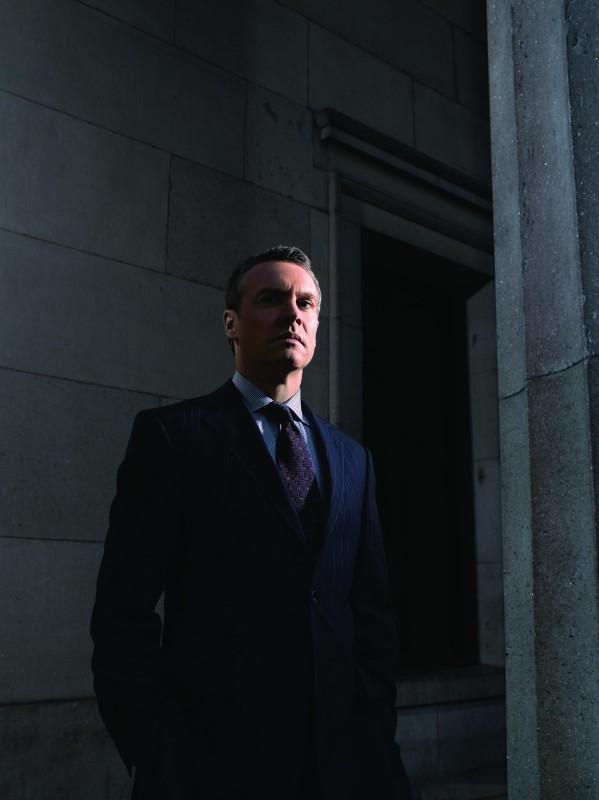 Damages: Tate Donovan è Tom Shayes in una foto promozionale della stagione 3