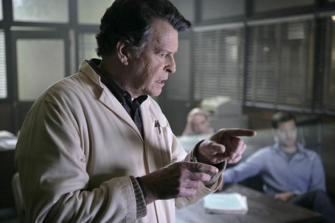 Fringe: John Noble nell'episodio Unearthed