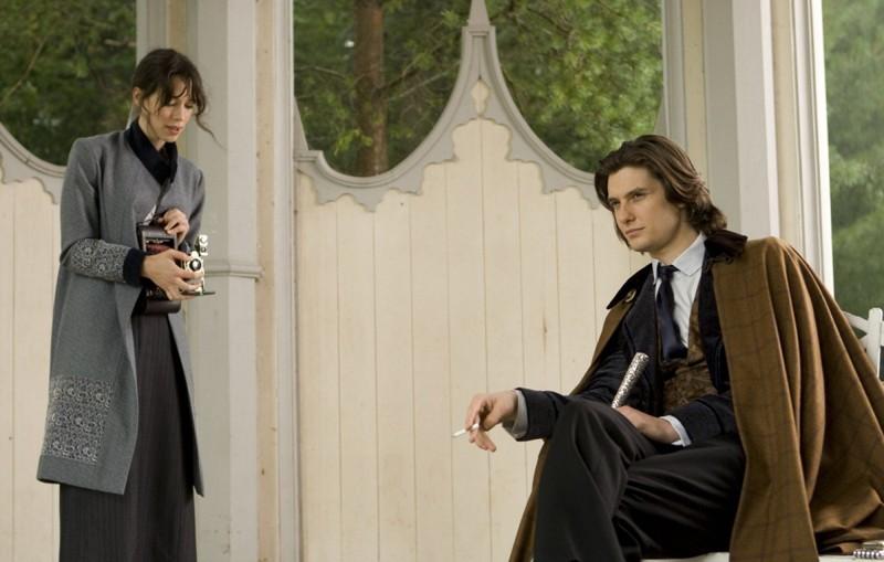 Rebecca Hall e Ben Barnes in una scena di Dorian Gray