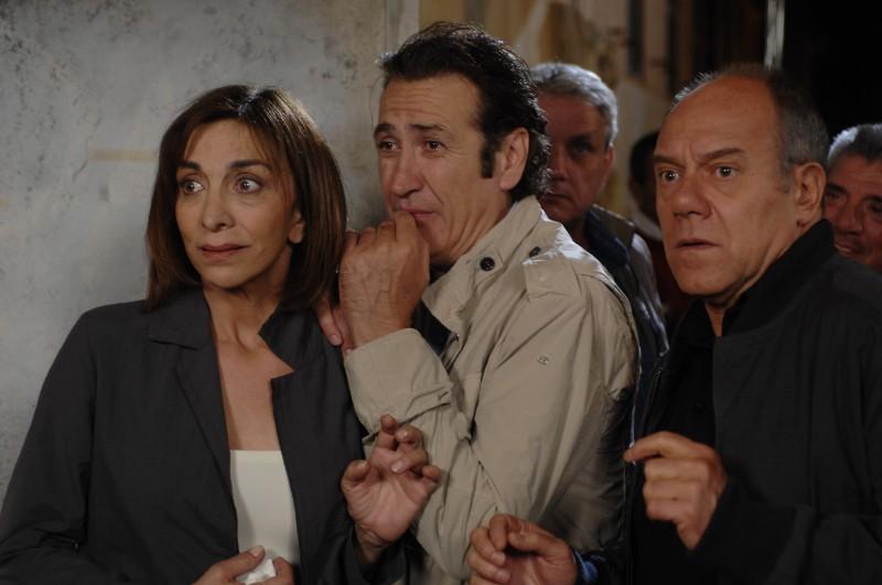 Anna Bonaiuto, Marco Giallini e Carlo Verdone in una sequenza del film Io, loro e Lara
