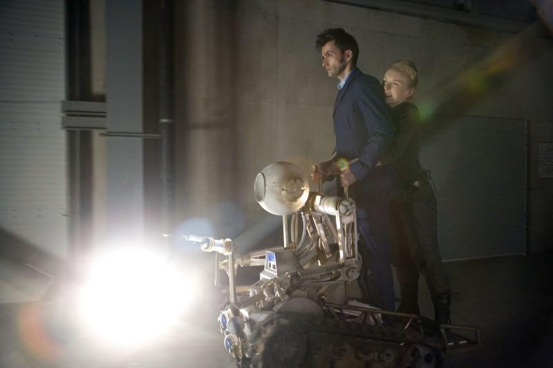 Doctor Who: David Tennant e Lindsay Duncan in un momento dello speciale The Waters of Mars