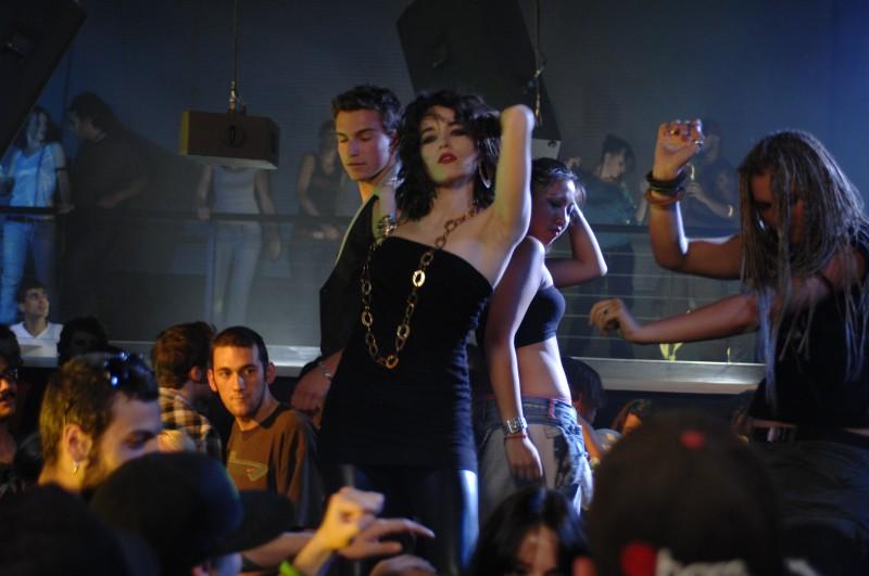 Laura Chiatti in un'immagine del film Io, loro e Lara
