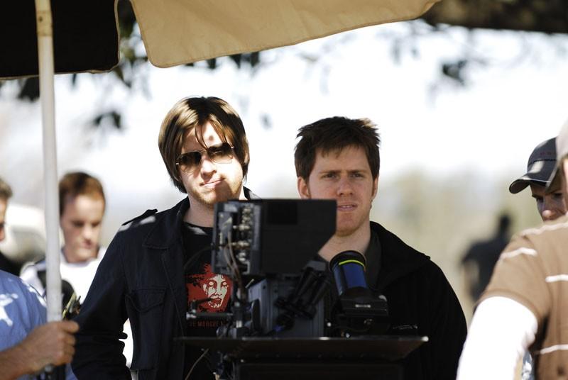 Michael e Peter Spierig girano una scena all'aperto del film Daybreakers