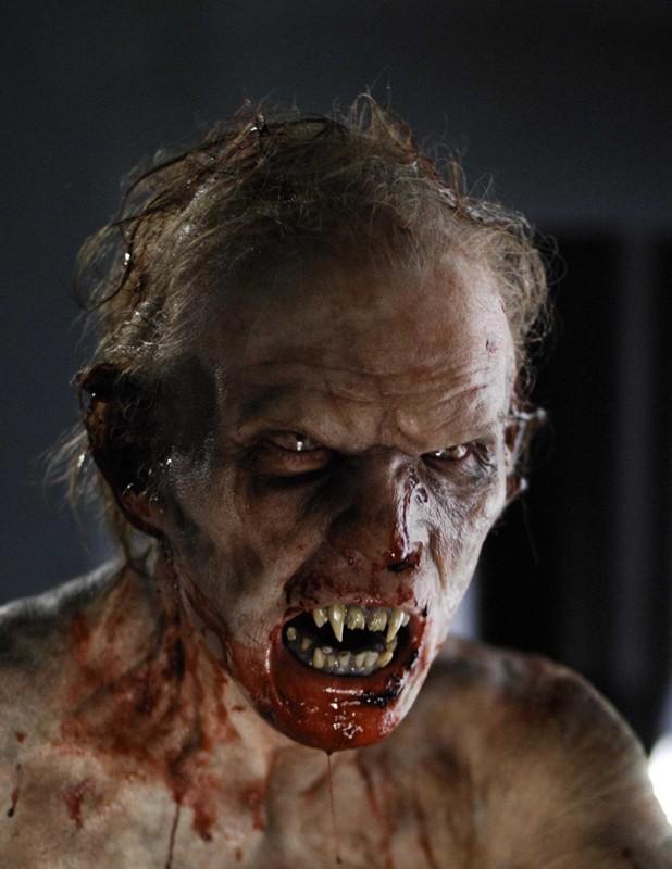 Un'immagine di un mostruoso vampiro del film Daybreakers