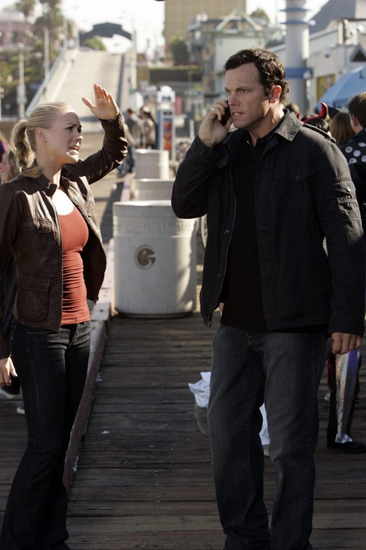 Yvonne Strahovski ed Adam Baldwin nell'episodio Chuck vs. Il verme della sabbia