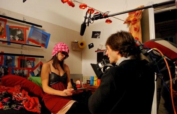 Valentina Acca durante le riprese del film Esterno Sera.