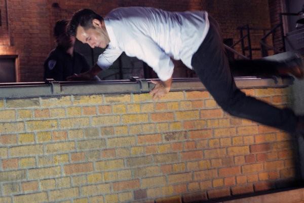 Adrian Pasdar in una scena tratta da The Fifth Stage dalla quarta stagione di Heroes