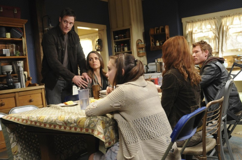 Dollhouse: Tahmoh Penikett, Eliza Dushku, Zack Ward, Felicia Day ed Adair Tishler nell'episodio Epitaph Two: Return