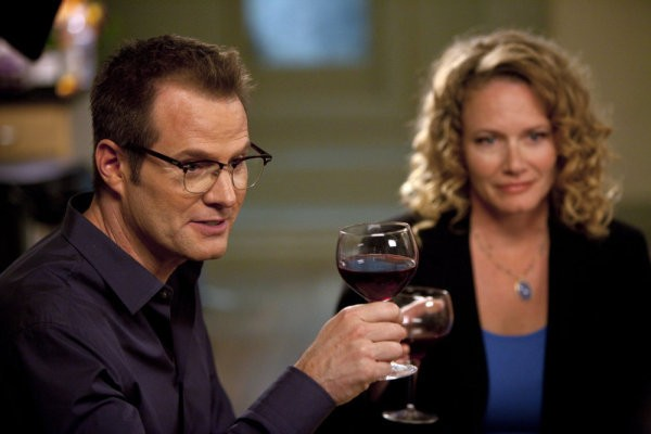 Jack Coleman e Ashley Crow in una scena tratta da Thanksgiving tratta dalla quarta stagione di Heroes