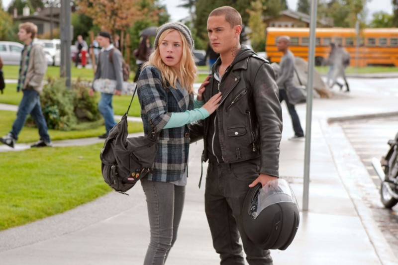 Life UneXpected: Brittany Robertson e Rafi Gavron nell'episodio Rent Uncollected