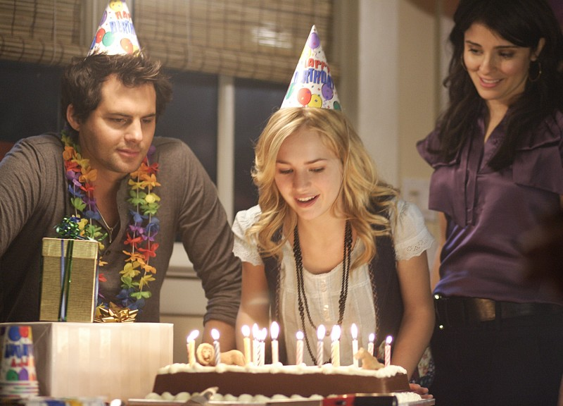 Life UneXpected: Kristoffer Polaha, Brittany Robertson e Shiri Appleby nel pilot della serie