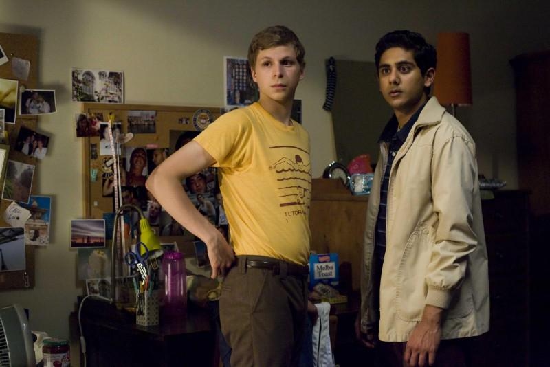 Michael Cera e Adhir Kalyan in una scena del film Youth in Revolt