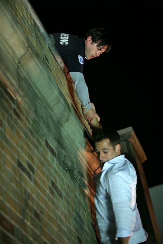 Milo Ventimiglia e Adrian Pasdar in una scena di The Fifth Stage dalla quarta stagione di Heroes