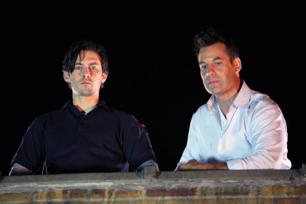 Milo Ventimiglia e Adrian Pasdar in una scena di The Fifth Stage della quarta stagione di Heroes