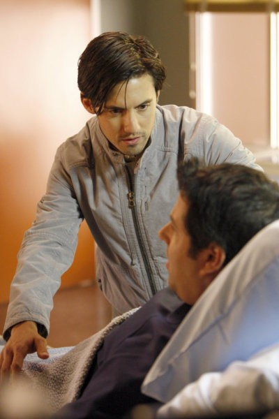 Milo Ventimiglia e Greg Grunberg in una scena tratta da Brother's Keeper dalla quarta stagione di Heroes