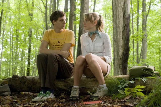 Portia Doubleday e Michael Cera in una scena del film Youth in Revolt