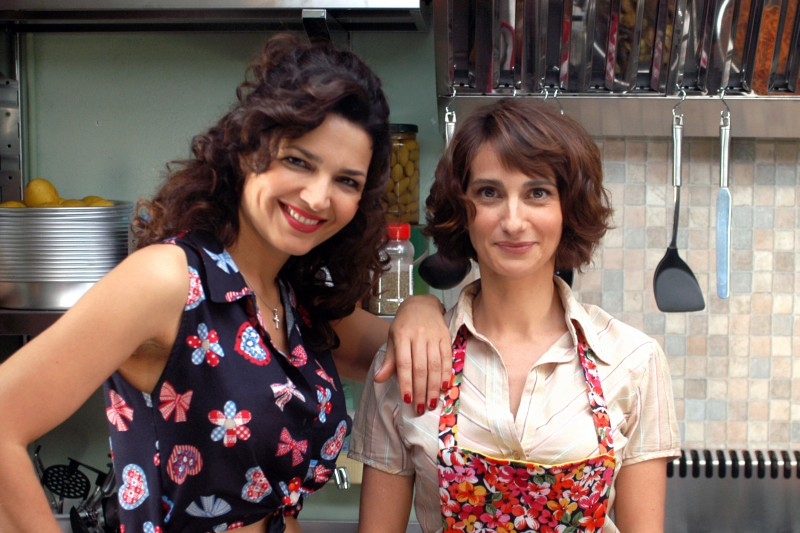 Tosca D'Aquino e Lorenza Indovina nel secondo episodio di Tutti per Bruno