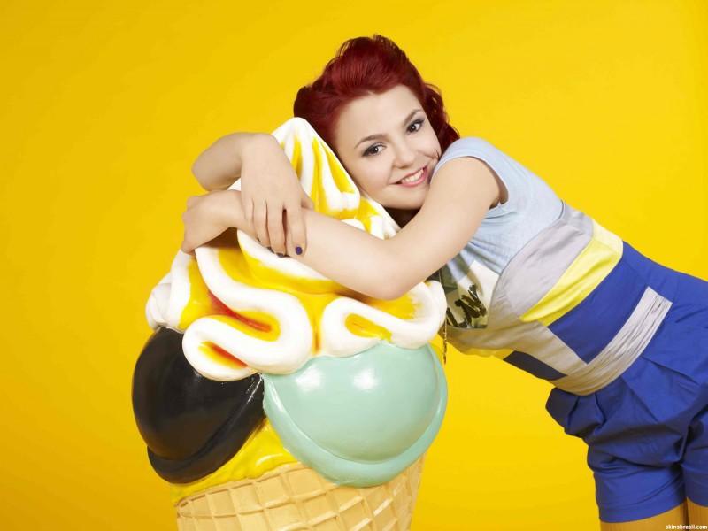 Skins: Kathryn Prescott in una foto promozionale per la stagione 4