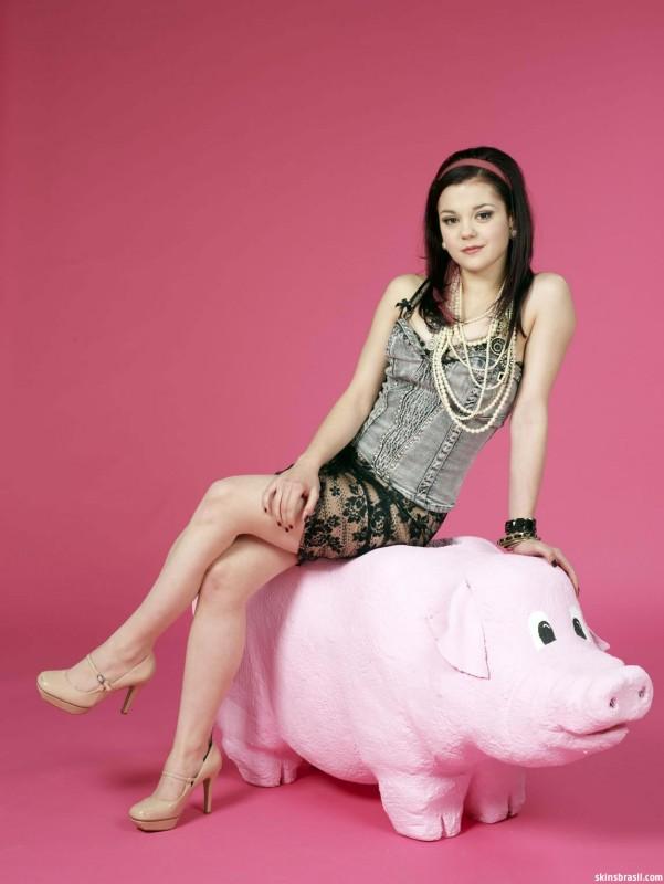 Skins: Megan Prescott in una foto promozionale per la stagione 4
