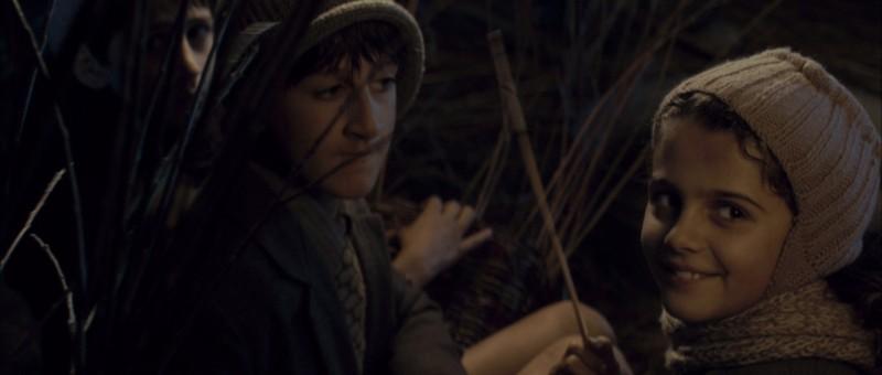 La piccola Greta Zuccheri Montanari in una sequenza del film L'uomo che verrà