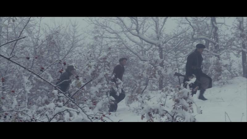 Un'immagine dei partigiani, protagonisti del film L'uomo che verrà