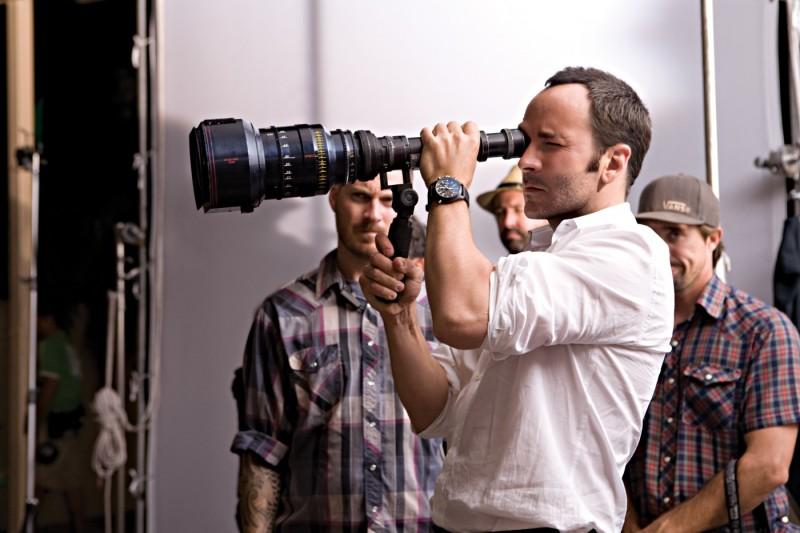 Il regista Tom Ford sul set di A Single Man