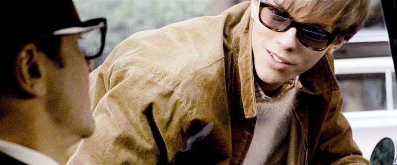 Nicholas Hoult con Colin Firth in una scena del film A Single Man