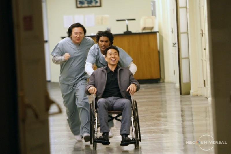 Sendhil Ramamurthy, Masi Oka e James Kyson Lee in una scena di Close to You dalla quarta stagione di Heroes