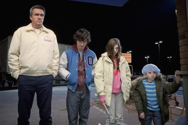 The Middle: Neil Flynn, Charlie McDermott ed Eden Sher nell'episodio The Yelling