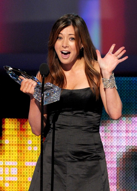 Alyson Hannigan riceve il premio come 'Favorite TV Comedy Actress' ai People's Choice Awards 2010
