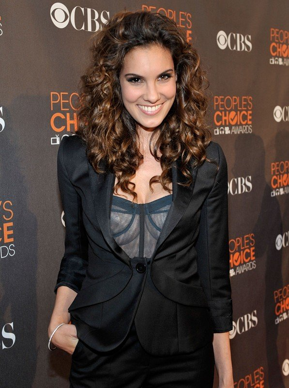 Daniela Ruah sul red carpet dei People's Choice Awards, a Los Angeles, il 6 Gennaio 2010