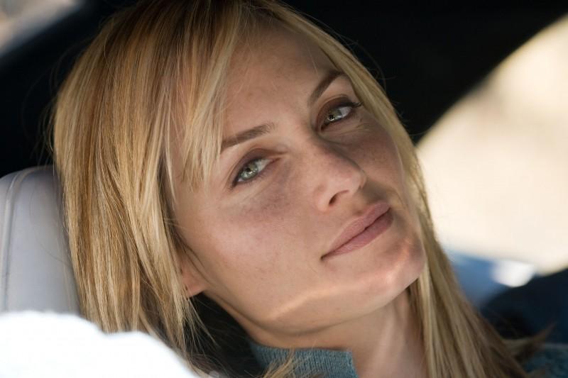 Un primo piano dell'attrice Amber Valletta dal film Gamer