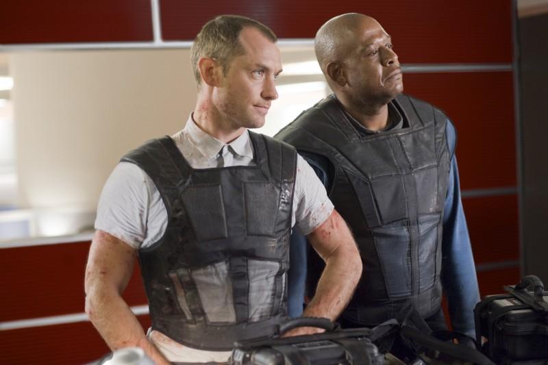 Jude Law e Forest Whitaker in una delle prime immagini del film Repo Men