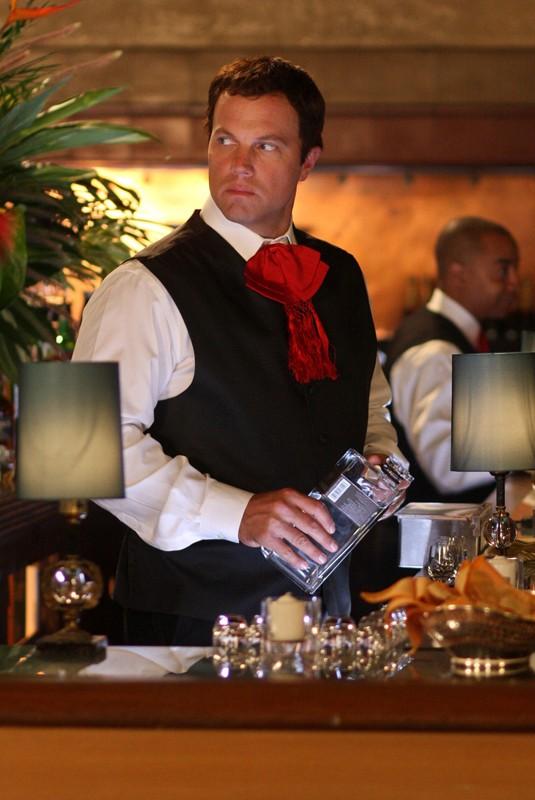 J. Casey (Adam Baldwin) diventa barman nell'episodio Chuck Vs the Pink Slip