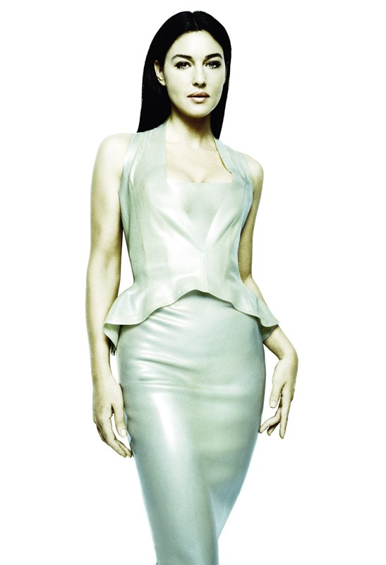 Un'immagine promozionale di Matrix Reloaded con Persefone (Monica Bellucci)