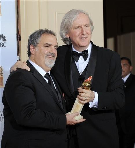 James Cameron con il produttore Jon Landau ai Golden Globes 2010