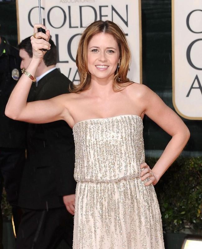 Jenna Fischer, protagonista della serie The Office, sul tappeto rosso dei 67° Golden Globes (2010)
