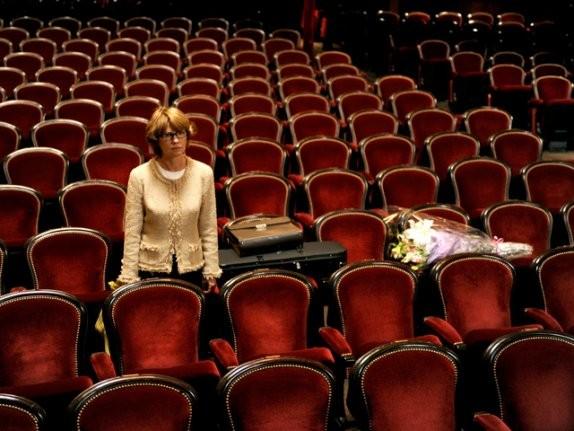Miou-Miou in una scena del film Il concerto
