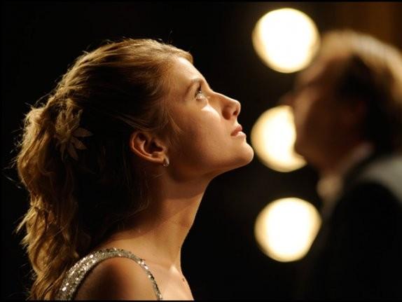 Un intenso profilo dell'attrice Mélanie Laurent tratto dal film Il concerto