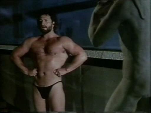 Una sequenza del cult gay Ai cessi in tassì (1981)
