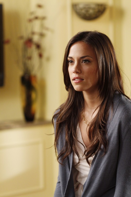Alex (Jana Kramer) in una sequenza dell'episodio Weeks Go By Like Days  di One Tree Hill