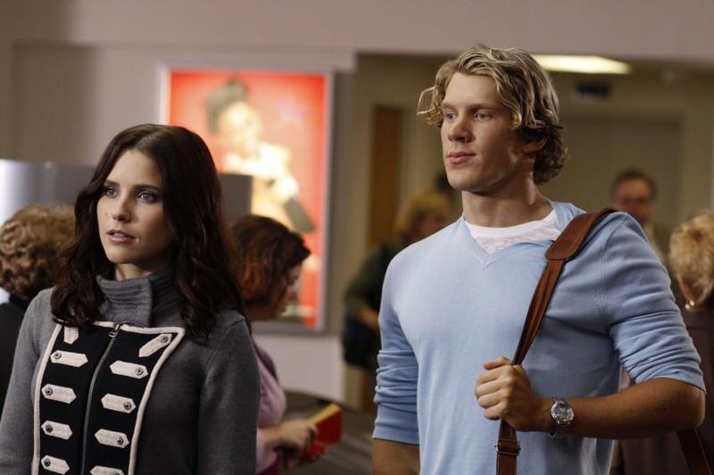 Brooke (Sophia Bush) e Alexander Coyne (Mitch Ryan), il nuovo stilista della Clothes Over Bros nell'episodio Weeks Go By Like Days di One Tree Hill