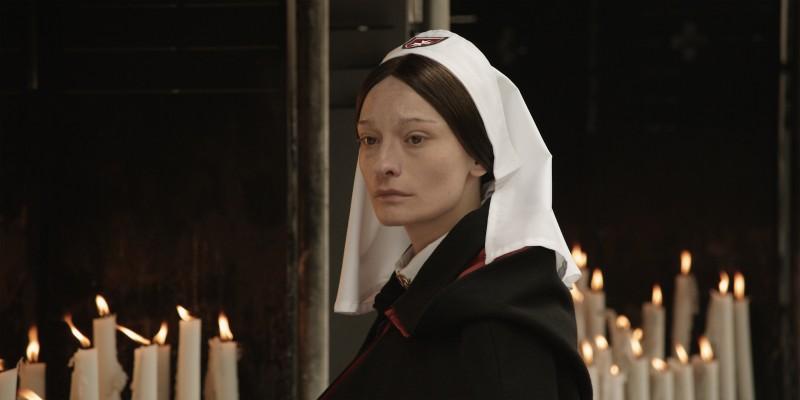 Elina Löwensohn in una scena di Lourdes