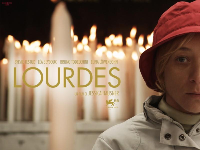 Manifesto del film Lourdes con la protagonista Sylvie Testud