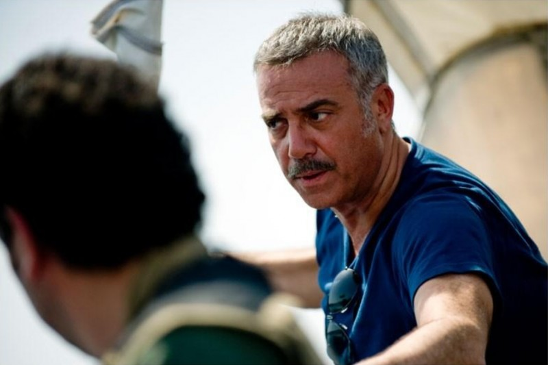 Massimo Ghini in una scena della fiction Gli ultimi del Paradiso