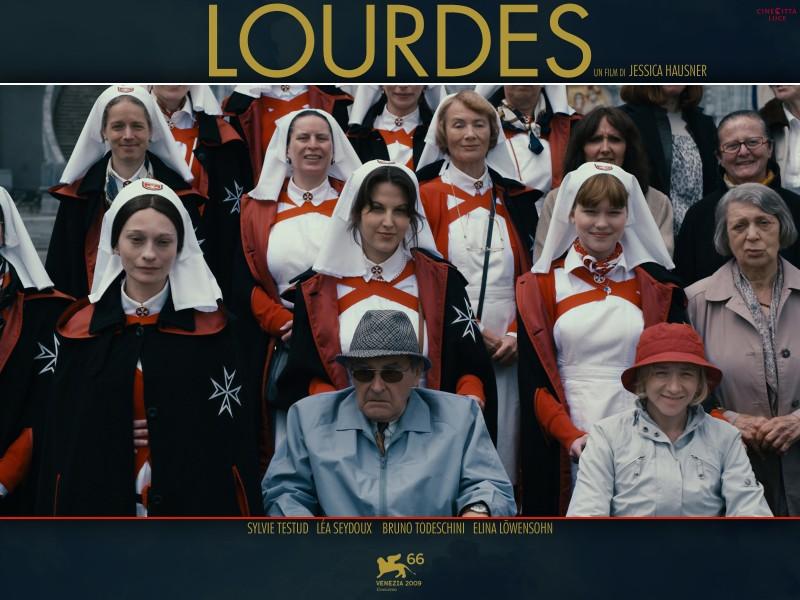 Un manifesto italiano del film Lourdes
