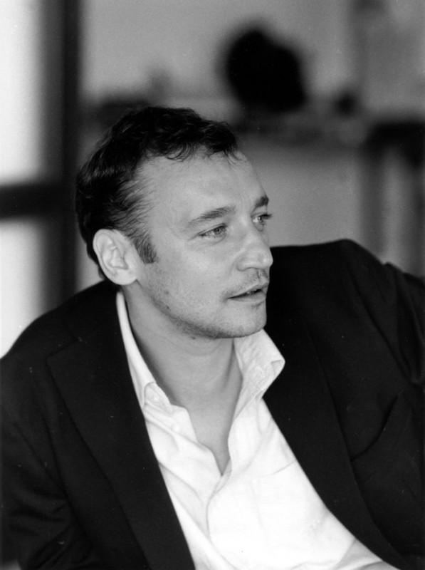 Un ritratto in bianco e nero di Fabio Balasso.