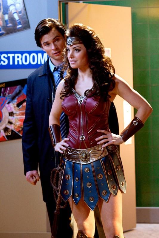 Clark (Tom Welling) e Lois (Erica Durance) nell'episodio Warrior di Smallville